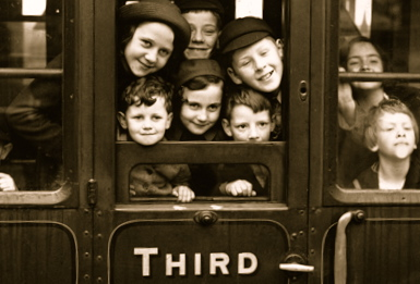 london-evacuee-train-2