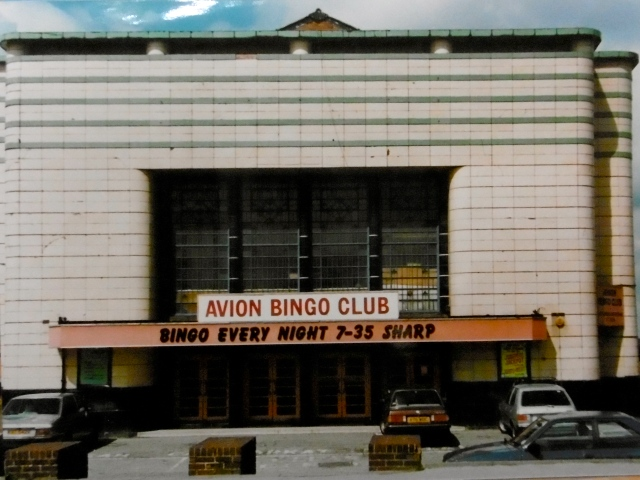 The Avion, Aldridge, in 1986, during it's incarnation as a bingo hall, and when my dad worked on the building's maintenance.